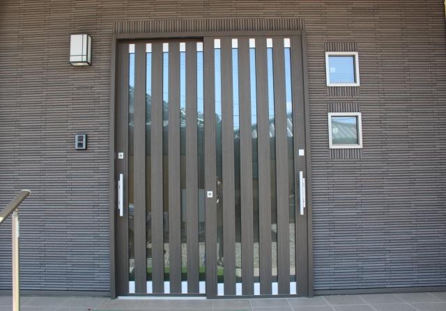 玄関リフォーム:引き戸